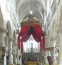 canopied throne